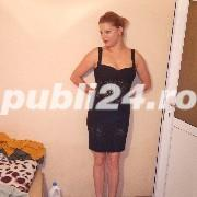 Blonda 27ani vb engleza italiana nu detin locuinta